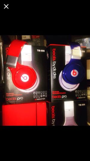 Beats headphones wireless for Sale in Chicago, IL