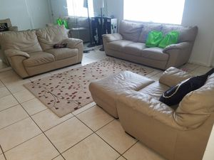 natazuui leather living room couch for Sale in Palm Beach Gardens, FL