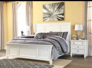 Jerome's Queen size bed frame for Sale in San Diego, CA