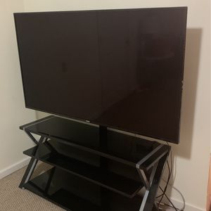 Phillips Smart Tv And Tv Stand for Sale in Tonawanda, NY