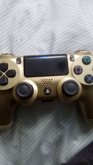 PS4 controller clean out for Sale in Garden Grove, CA