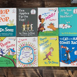 Lot Of 8 Dr. Seuss Books - Excellent Condition for Sale in Winder, GA