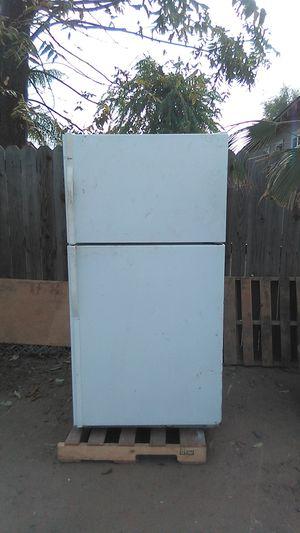 Refrigerator Kenmore for Sale in Modesto, CA
