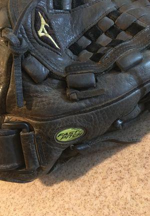 Softball/fast pitch Mizuno Glove for Sale in North Las Vegas, NV