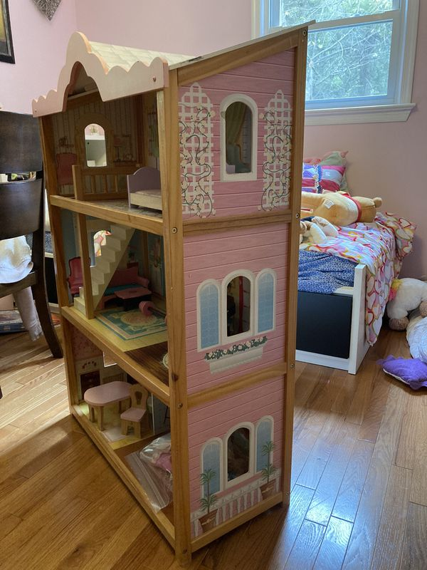 Large Dolls House and Furniture.