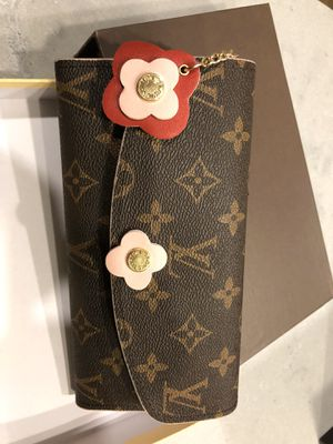 Beautiful wallet for Sale in Needham, MA