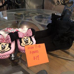 NEW infant girl slipper/boots size 7-8 for Sale in Denver, CO
