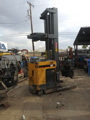 CATERPILLAR. Electric Stand Up Reach Forklift for Sale in Phoenix, AZ