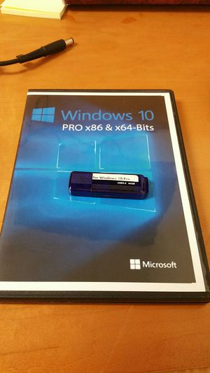 Legal Windows 10 professional full Installation with 64GB USB setup drive Product Key & installation DVD for Sale in Dallas, TX