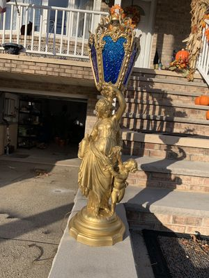 Greek Roman God and Goddess statue figural lamps pair for Sale in Bayonne, NJ