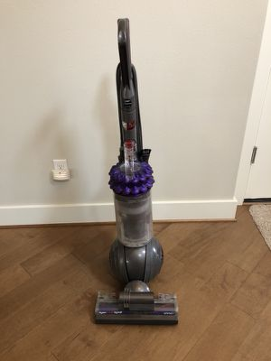Dyson Cinetic Vacuum Cleaner for Sale in Renton, WA