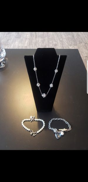 American Eagle necklace & bracelet set for Sale in Evesham Township, NJ