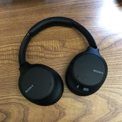 Sony WH-CH710N Wireless Bluetooth Headphones for Sale in Rancho Cucamonga,  CA