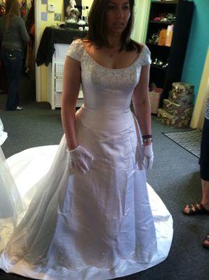 Wedding dress NWT for Sale in Goldsboro, NC