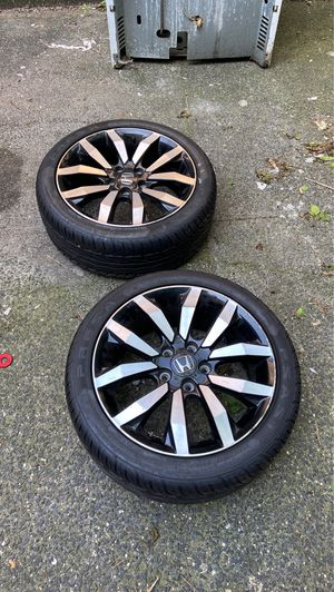 2015 Honda rims only have two due to losing my car the rims have brand new tires on it still axing 200 for Sale in The Bronx, NY