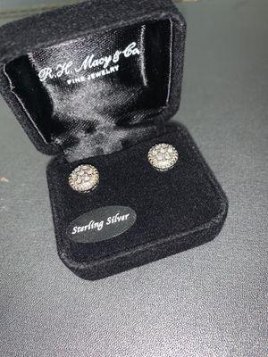 Diamond earring for women for Sale in Eastvale, CA