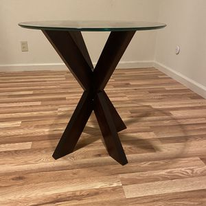 End Table for Sale in Saratoga, CA