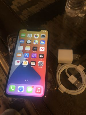 Good iPhone 11 Pro Max 512g. AT&T. Plus for Sale in Alexandria, VA