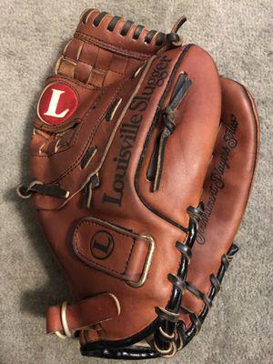 Louisville Slugger TPS Softball Glove for Sale in Hacienda Heights, CA