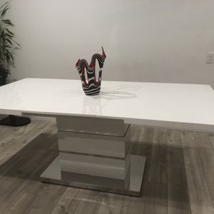 Brand New High gloss Modern Extendable Dinning Table! for Sale in Scottsdale, AZ