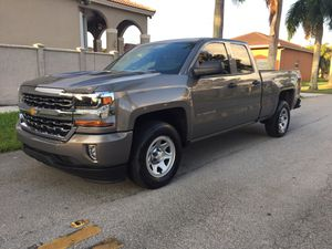 2017 Chevy Silverado 4 Doors for Sale in Miami, FL