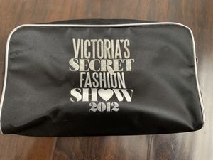 Classic beauty bag for Sale in Beaverton, OR