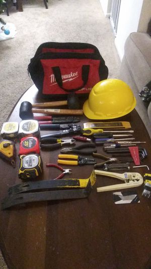 Milwaukee tool bag with tools for Sale in Glen Burnie, MD