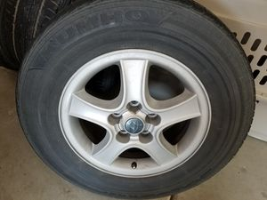 Hyundai Santa fe rims and tires for Sale in Fresno, CA