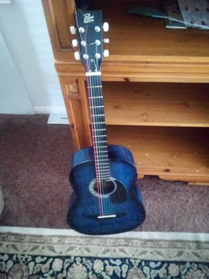 Good used Rogue Acoustic Guitar. for Sale in Beaumont, CA