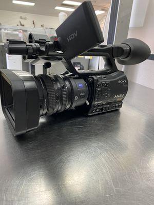 Sony HVR-Z7U camera for Sale in Missouri City, TX