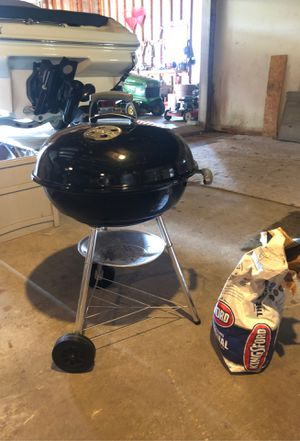 Weber Charcoal Grill for Sale in Macomb, MI