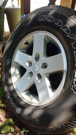 Jeep factory rims with tires and tps 255 75 r17 for Sale in East Greenville, PA