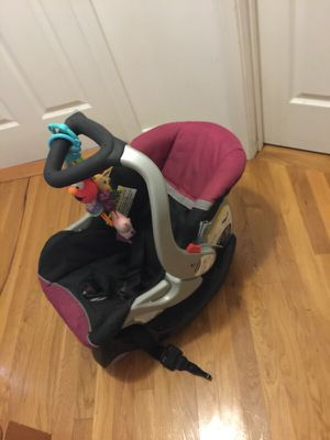 Car seat - Infant for Sale in Boston, MA