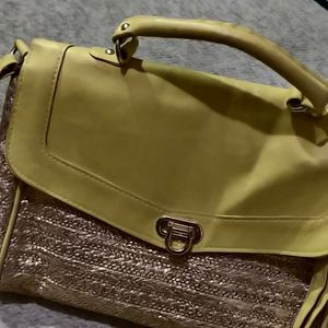 Cute Yellow Bag Messenger Purse Handbag for Sale in Chicago, IL