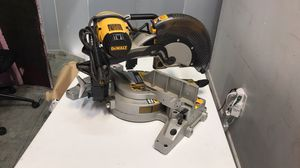 Dewalt Double-Bevel Compound Milter Saw (With Blade) for Sale in Miami, FL