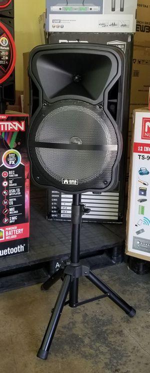 "1500 watts 12"" speaker. Bluetooth. Rechargeable. Wireless microphone. FM radio. Lights. for Sale in Virginia Gardens, FL"