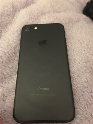 iPhone 7 Black for Sale in Los Angeles, CA