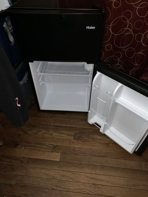 Mini fridge and freezer works 100% need gone looking to a electric stove for Sale in Mount Laurel, NJ