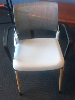 COMMERCIAL GRADE OFFICE GUEST CHAIR for Sale in Orlando,  FL