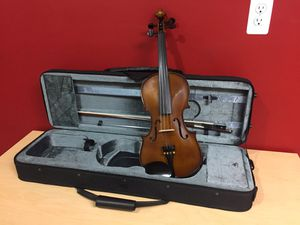 Musino VN4044 Series Deluxe 4/4 Violin with Case $250 for Sale in Cincinnati, OH