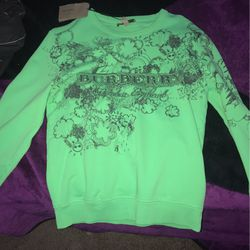 BURBERRY SWEATER for Sale in Los Angeles,  CA