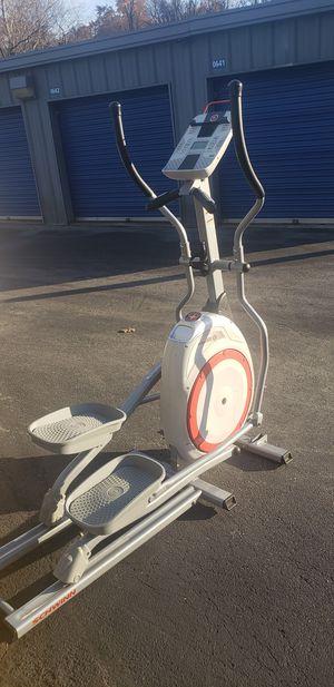 Elliptical Professional Machine Schwinn 420 for Sale in Columbia, MD
