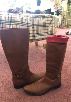 9 1/2 Burberry boots for Sale in YSLETA SUR, TX
