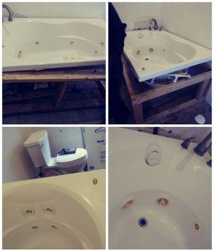 Jacuzzi tub for Sale in Detroit, MI