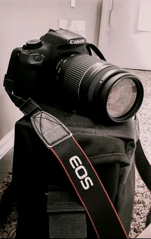 Canon Rebel T5 with 75-300mm lens for Sale in Houston, TX