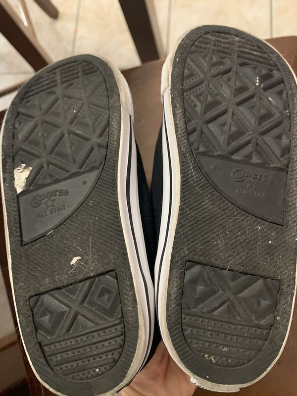 Converse shoes girl size 10