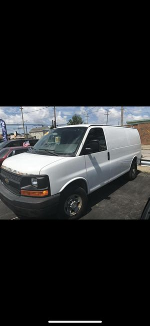 2010 Chevy express cargo van for Sale in Cleveland, OH