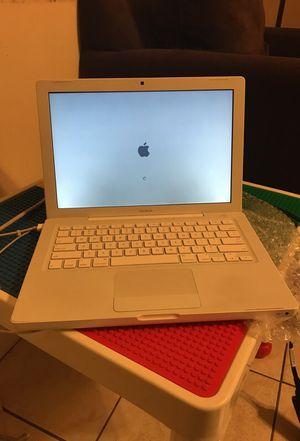 Laptop macbook for Sale in Hialeah, FL