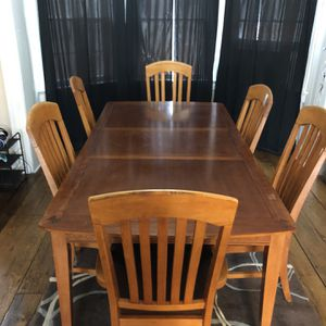 FREE 8 Piece Dining Room Set for Sale in Washington, CT