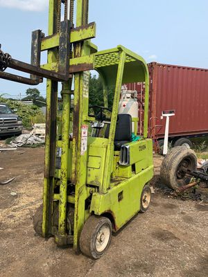 Clark forklift in Good working condition for Sale in Philadelphia, PA
